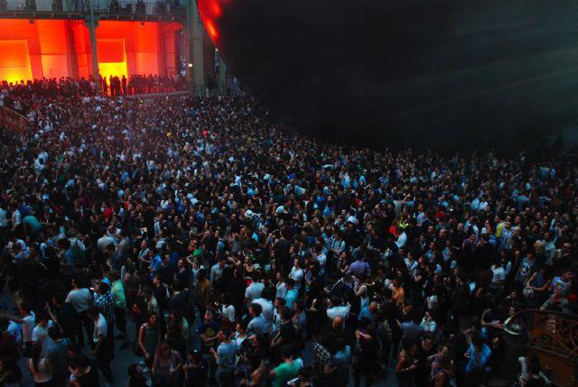 Bal Blanc : Jamie XX, Caribou et Four Tet devant Monumenta 2012   on a des places pour vous ! Redbis