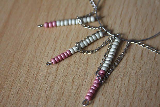 collier5 Tuto   Un collier chevron en perles de rocaille