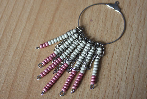 collier6 Tuto   Un collier chevron en perles de rocaille