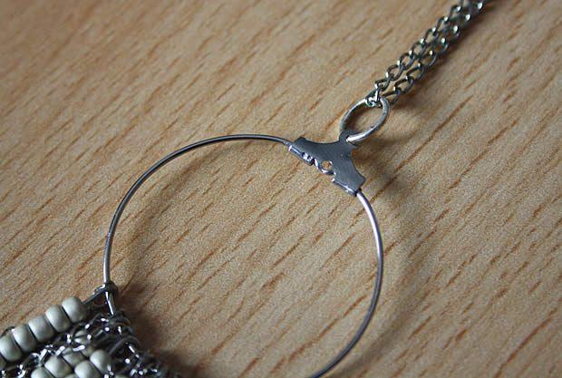 collier7 Tuto   Un collier chevron en perles de rocaille