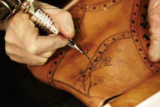 tatoo1 Oliver Sweeney, la marque qui tatoue des chaussures