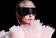 Lien permanent vers La visière futuriste Alexander McQueen : pour ou contre ?