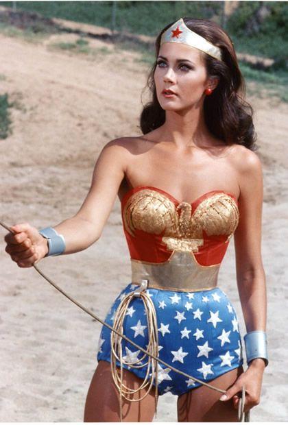 Typologie des tenues de super héroïnes  05