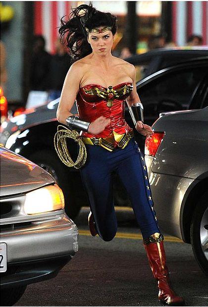 Typologie des tenues de super héroïnes  061