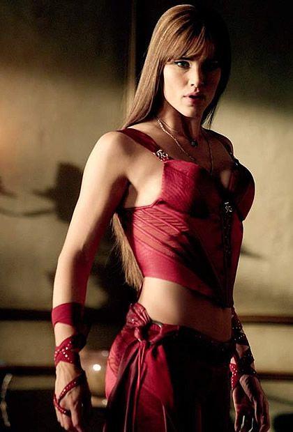Typologie des tenues de super héroïnes  08