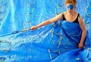 Lien permanent vers Une robe géante en sacs Ikea
