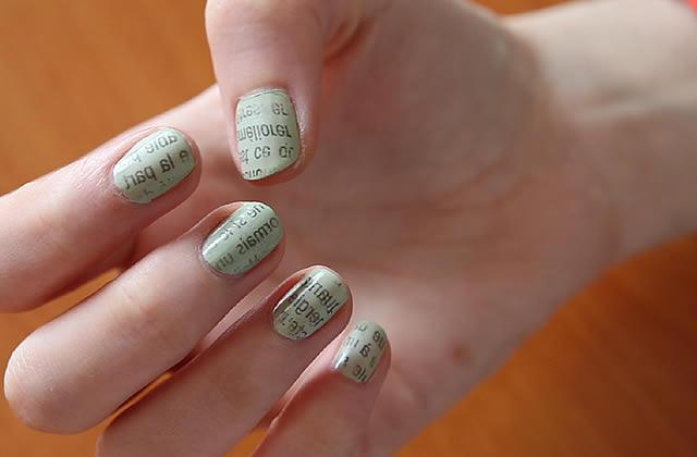 Tuto nail-art : la manucure papier journal