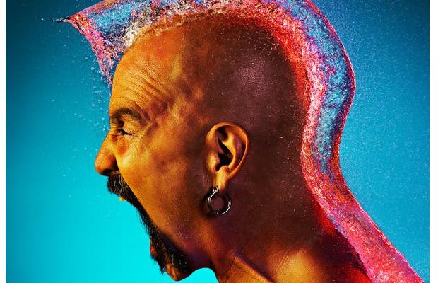 Des perruques en eau immortalisées par un photographe wig1