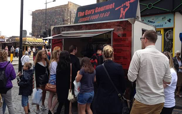 Un Food Truck zombie pour la sortie du DVD The Walking Dead zombie2
