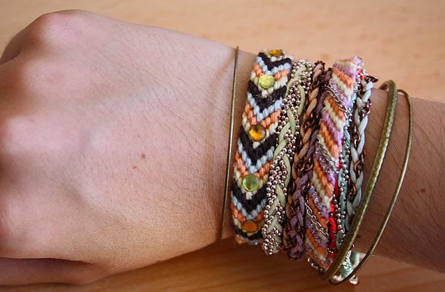Idées custo – Des bracelets brésiliens tendance