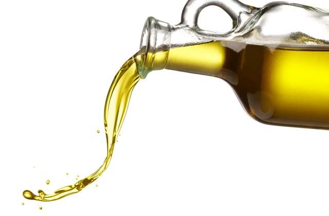 4 huiles démaquillantes au banc d'essai