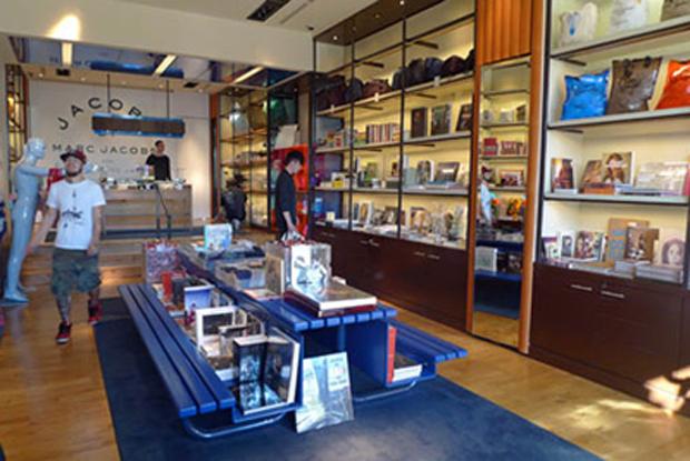 a4d94754e26aa Marc Jacobs ouvre une librairie à Paris