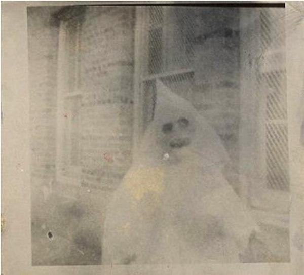 30 photos en noir et blanc complètement flippantes KKKikoo
