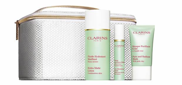 clarins2 Livraison gratuite chez Clarins : 5 cadeaux à offrir pour Noël !