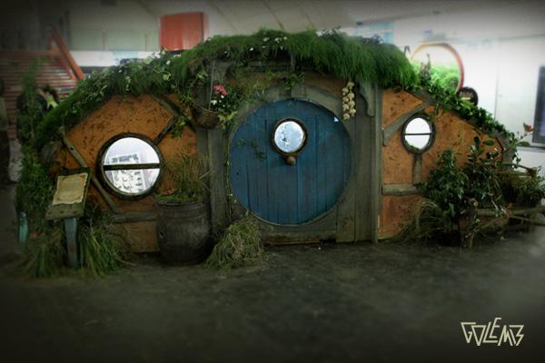 la station auber paris abrite la maison de bilbon le hobbit. Black Bedroom Furniture Sets. Home Design Ideas