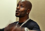 DMX chante Rudolph the Red-Nosed Reindeer