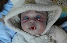 Une poupée vampire – Idée cadeau pourrie #9