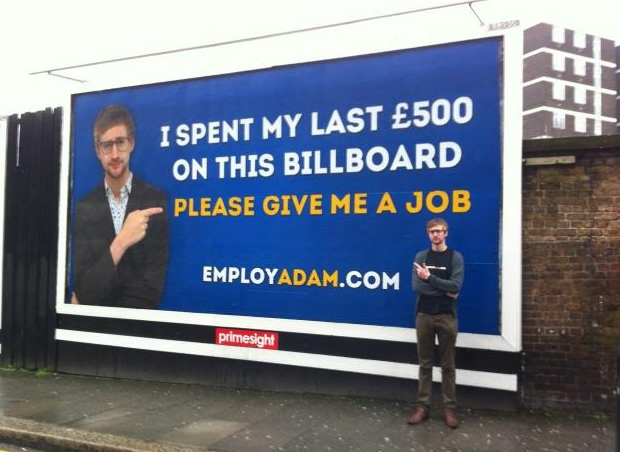 adam affiche Adam Pacitti, chômeur viral et cool