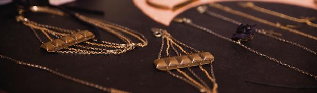 bracelet inspiration rock LAtelier des Dames : interview des créatrices Caroline et Quitterie