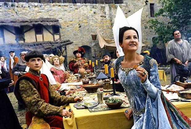 7 raisons pour lesquelles jaurais aimé vivre au Moyen Âge valerie lemercier visiteurs