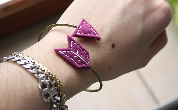 Tuto   Un bracelet flèche en feutrine bracelet fleche 7