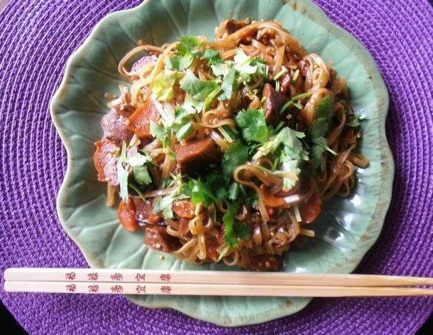nouilles Seitan caramélisé et nouilles thaïlandaises   la recette de Vegan Valkyrie
