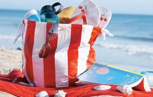 Lien permanent vers Les indispensables du sac de plage à moins de 25€