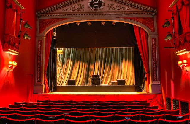 Typologie des avantages du théâtre