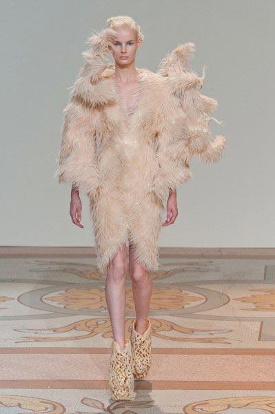 Les robes complètement dingues dIris Van Herpen IrisVanHepren 2