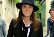 Carla Bruni fait le pingouin dans son nouveau clip