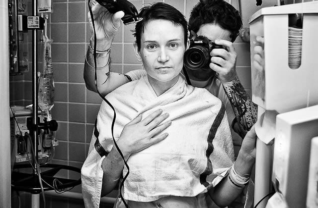 Un homme raconte en photos le cancer du sein de sa femme