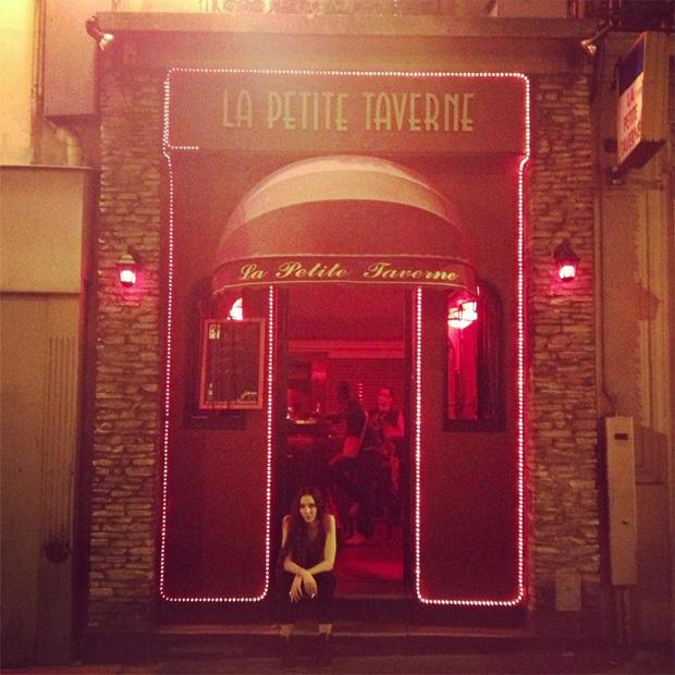 prostituée dans un bar
