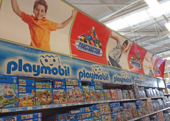 Toys 39 r 39 us va limiter le marketing genr dans ses rayons for Jouetstore