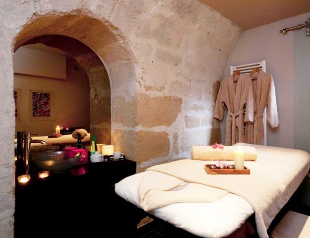 cabine de soins Thalasseo toffre un moment de détente dans un spa !
