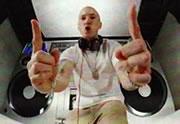 Eminem sort le clip de Berzerk