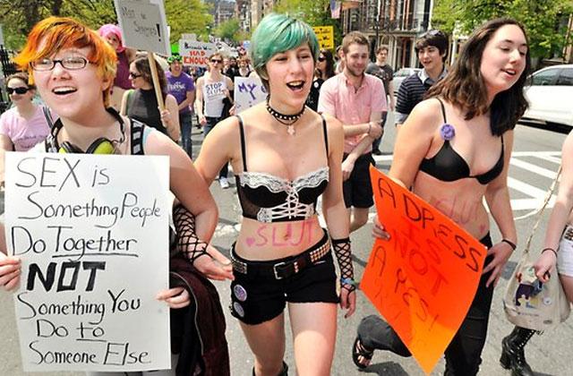 La Gazette du 27 septembre 2013 – Time capsule, Slutwalk et tricot