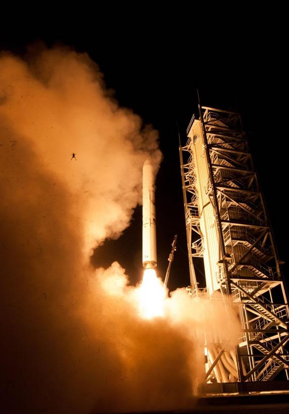 Frog rocket et les photobombs improbables — Mèmologie rocketfrog