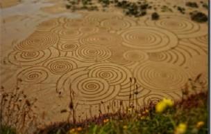 Lien permanent vers La poésie du sand art par Tony Plant