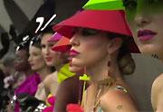 Un défilé de mode dans le métro à São Paulo