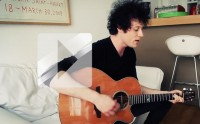 The Fratellis joue « We Need Medicine » en acoustique