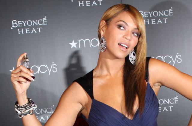 Beyoncé sort Rise, un parfum féministe