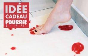 Le tapis de bain ensanglanté, une idée cadeau aussi cool que pourrie pour Noël