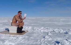 Lien permanent vers Alexander Skarsgård nu sur les WC dans la neige