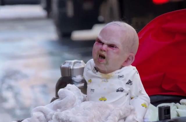 Un bébé démoniaque fout la frousse à New York