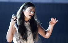 Lorde ose la manucure Bob le Bricoleur aux Grammy Awards 2014