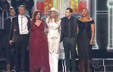 Mariage pour tous : Madonna et Macklemore marient 33 couples lors des Grammys 2014