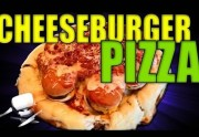 Lien permanent vers Le Cheeseburger Pizza, par Epic Meal Time