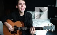 Cris Cab chante « Liar liar » en session acoustique
