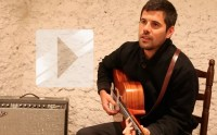 Nick Mulvey chante « Fever to the Form » en acoustique
