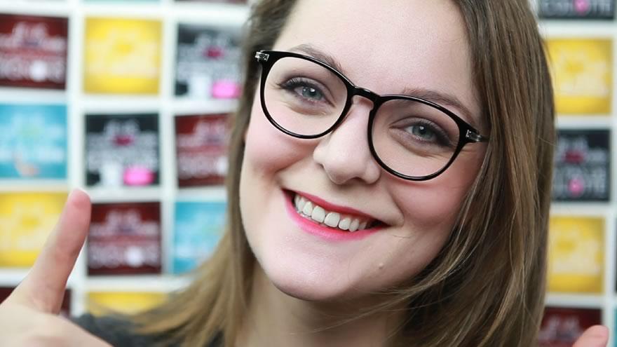 Comment se maquiller en ayant des lunettes   6f1d574a0b95